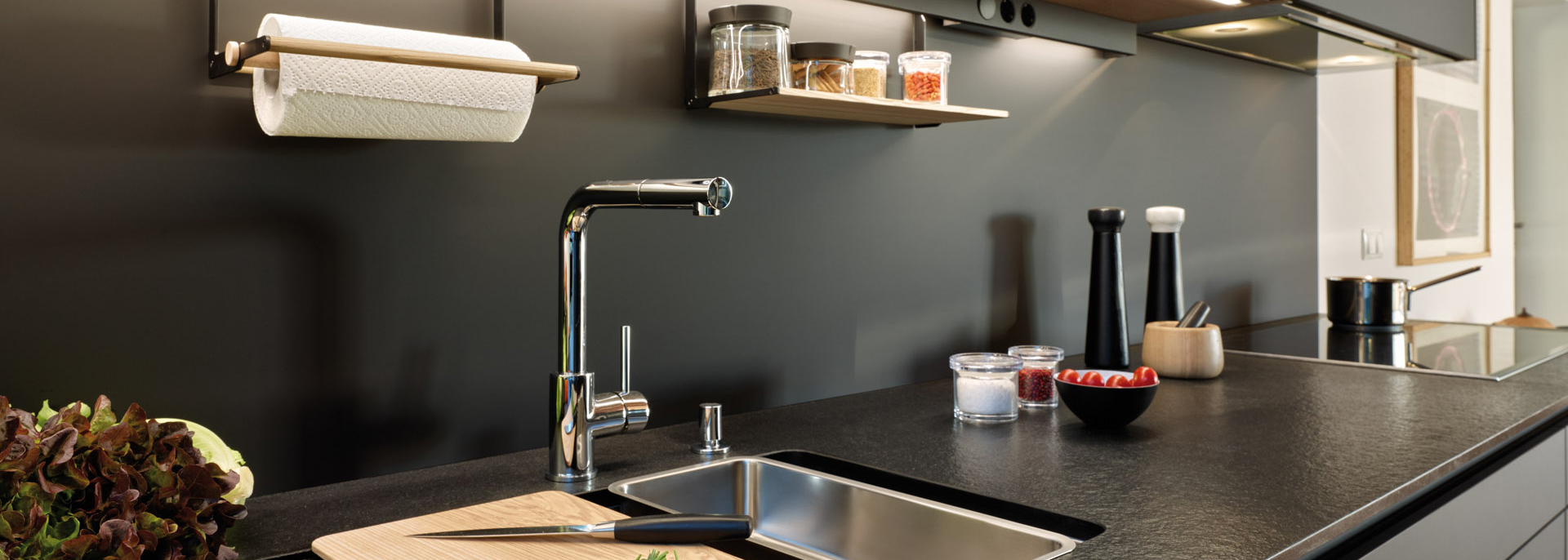 dos-fuentes-de-iluminacion-led-en-cocinas-en-paralelo